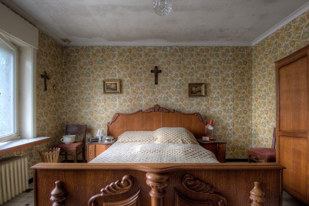 L'oeil de Paon is een verlaten urbex huisje ergens in het vervallen Belgie
