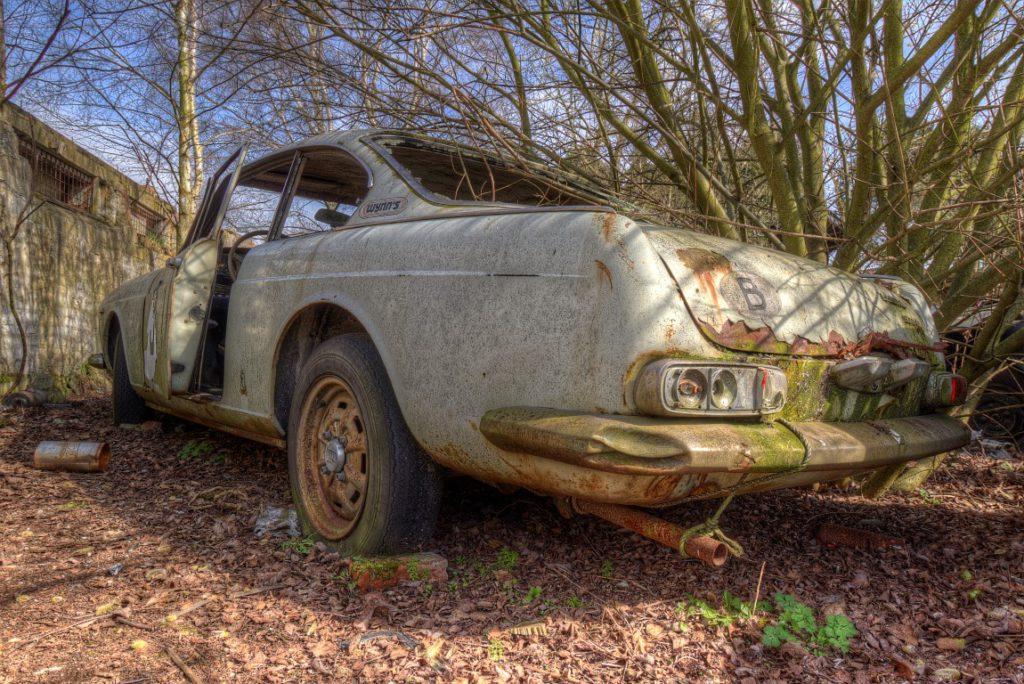 Viva Lancia is een urbex locatie vol met auto's ergens in Belgie